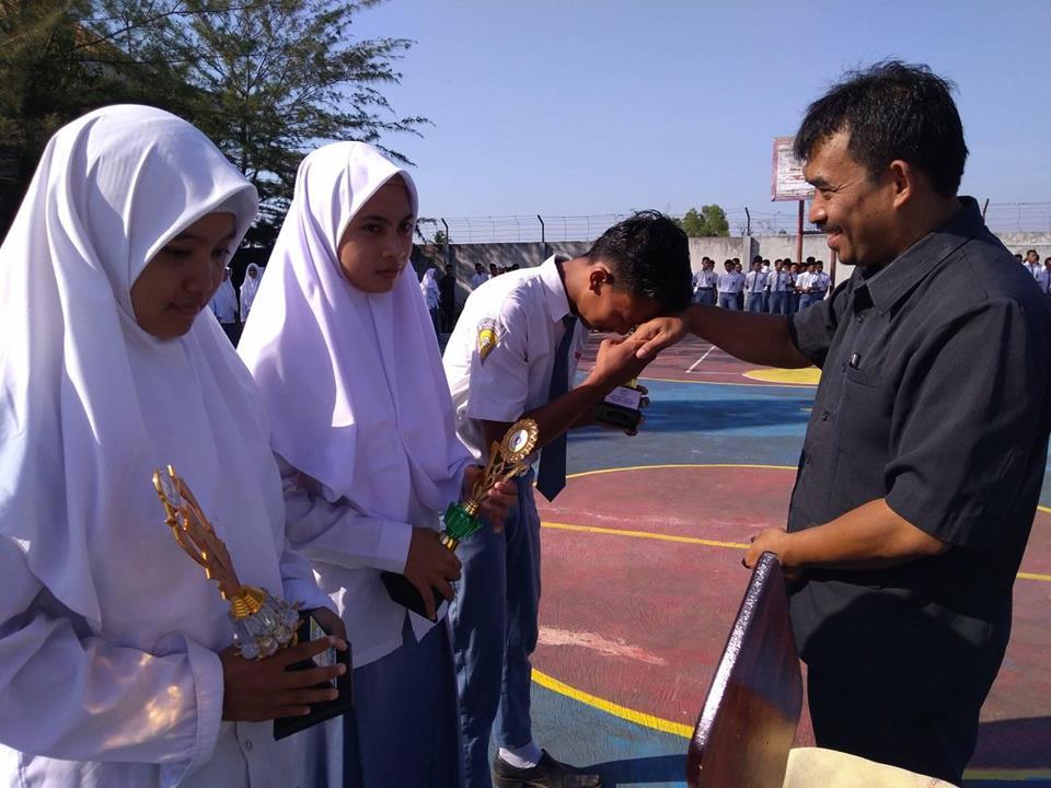 Kepala Sekolah Ucapkan Selamat Bagi Siswa-Siswi Peraih Juara