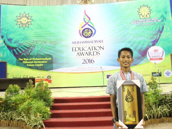 Juara I LKTI Nasional di UMM dalam Event ME Award 2016