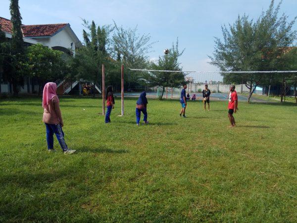 Ekskul Bola Volly, Latihan di Dalam dan di Luar Sekolah